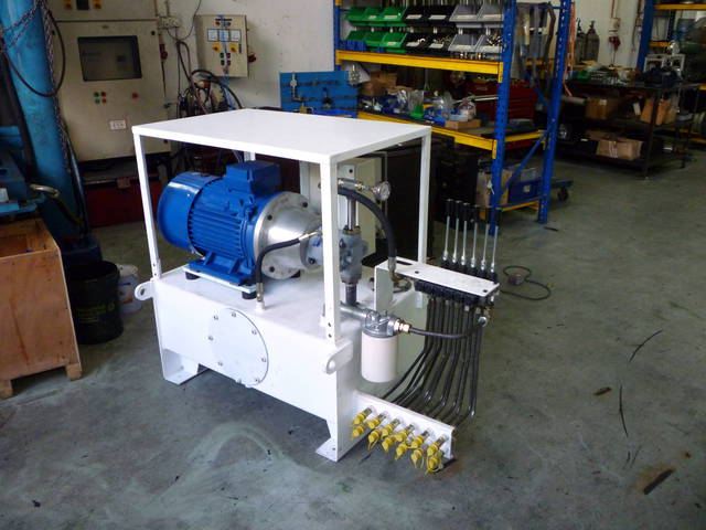 Gallery_15kw_hydraulic_power_unit_picture_no.4